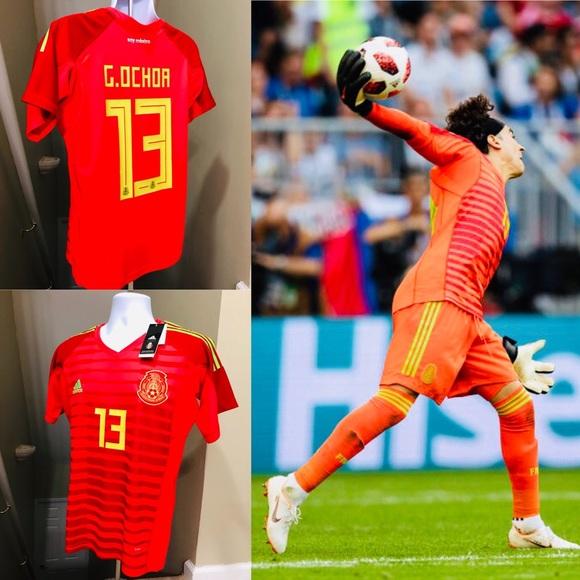 buy popular f782f 6fb7e 🚨 2019 Ochoa #13 Mexico Home Goalie Soccer Jersey NWT
